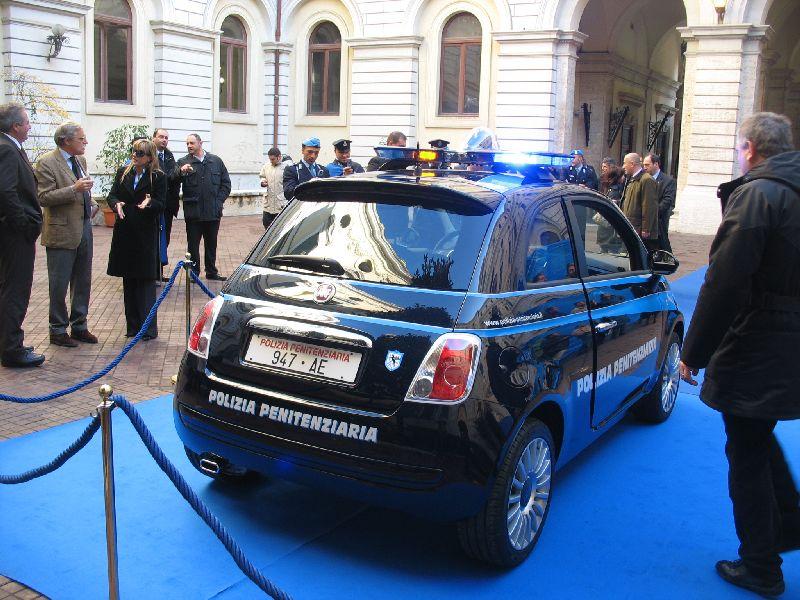 30 11 07 Roma La Fiat 500 Della Polizia Penitenziaria