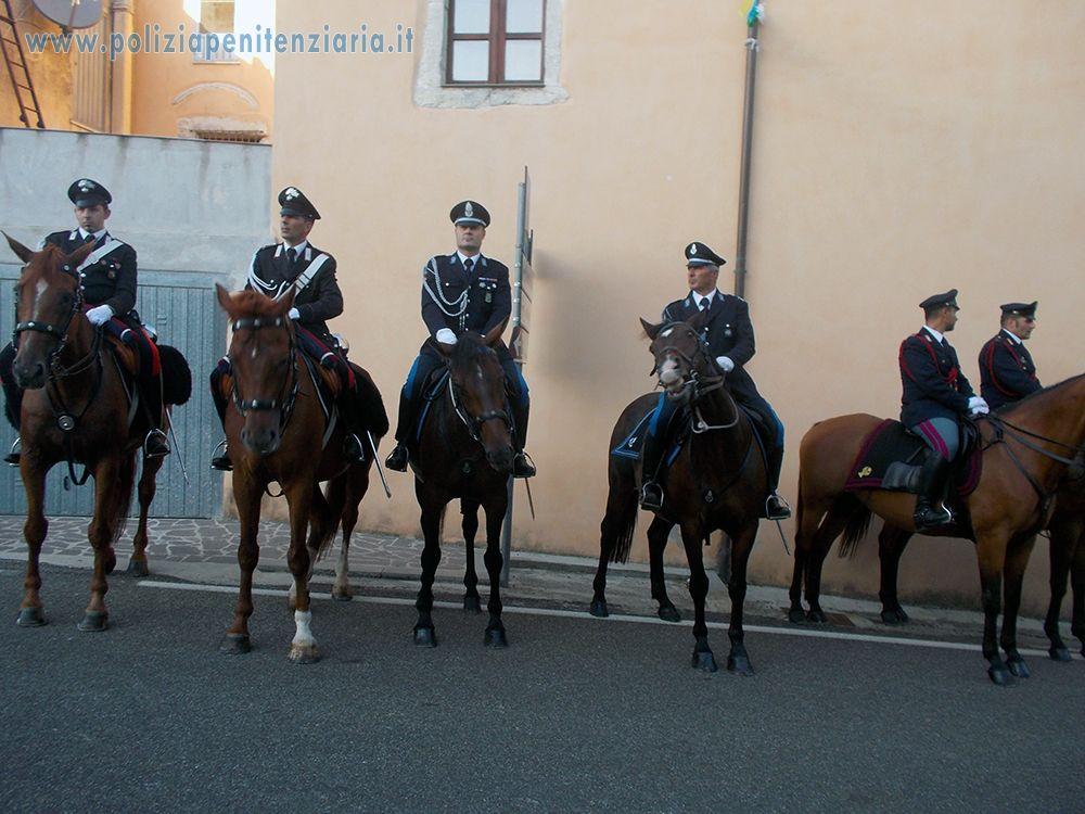Foresta burgos ss chiude la scuola di polizia a cavallo for Scuola burgo