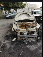 macchina_polizia_penitenziaria_incendiata_3